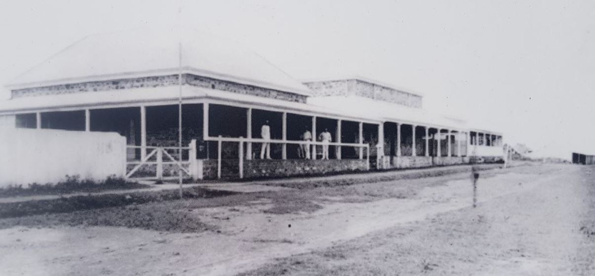 An early image of the Darwin court house built in 1884.